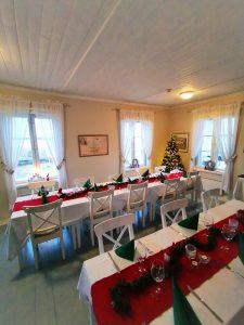 Vanha Villa, joululiinat pöydillä